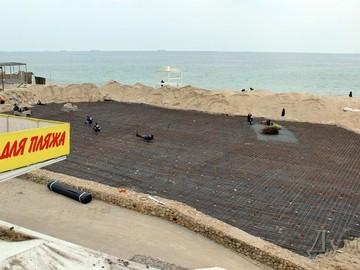 Прокуратура признала незаконным застройку пляжа в Аркадии