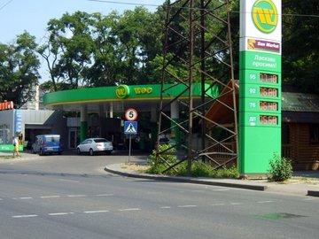 Цены на бензин А-95 в Украине возможно снизятся
