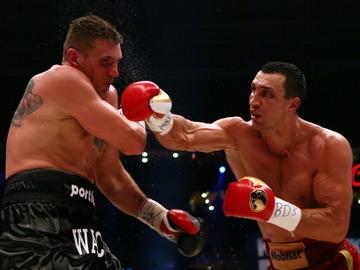 Владимир Кличко победил Мариуша Ваха по очкам