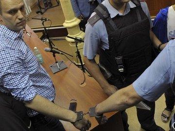 Навального приговорили к 5 годам
