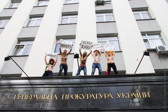 Николаевские насильники могут не дожить до суда