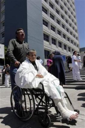 В штате Герерро (Guerrero), в городе Пуебла (Puebla) из больниц эвакуируют пациентов @reuters