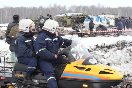 Самолет, разбившийся под Тюменью, фото @МЧС России