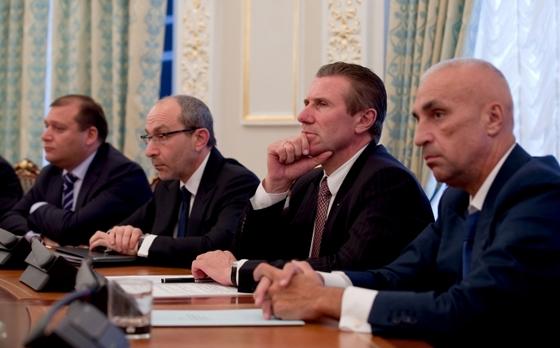 Заседание по подготовке Украины к Евро-2012. Фото @сайт президента