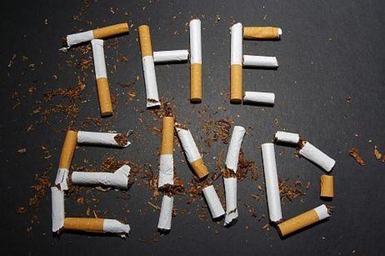 Курильщиков прижали к стенке - вступил закон о запрете Курения на Украине
