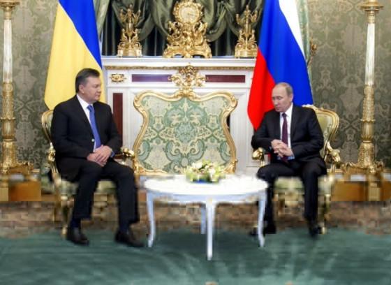 Для того, чтобы выделить Украине кредит в 15 млрд. долларов США, в Москве изменят действующее законодательство о кредитовании